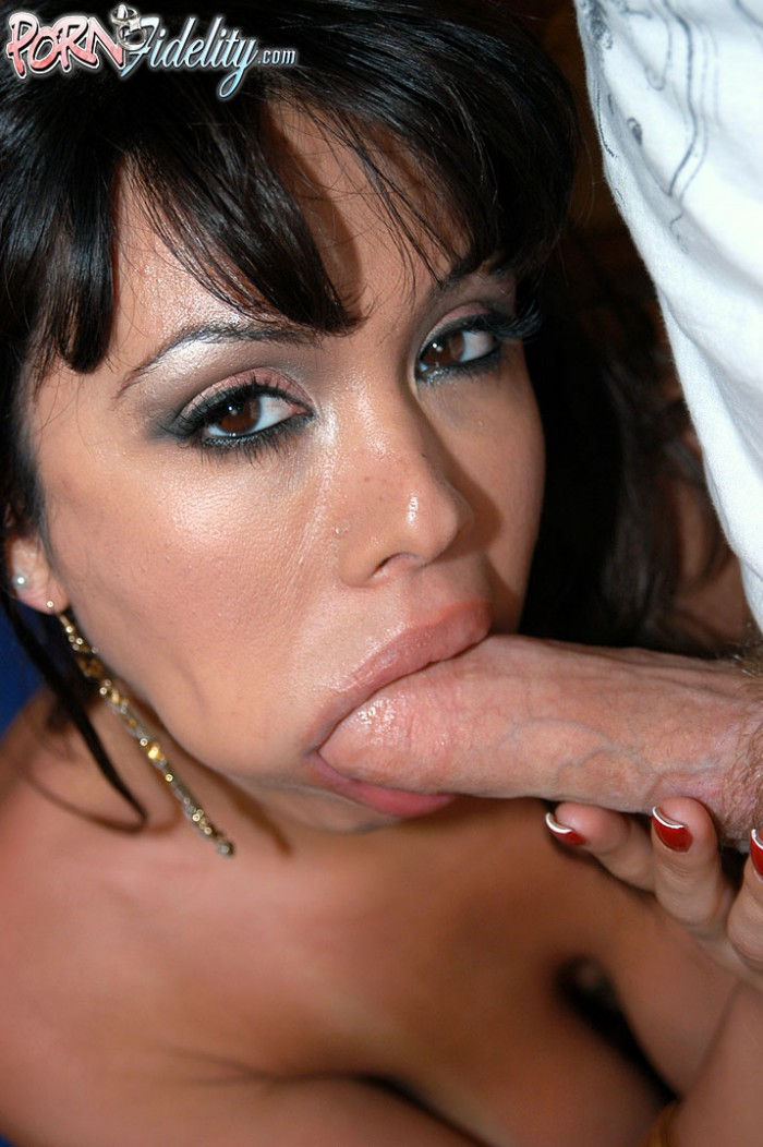 Sienna West Sucking Cock